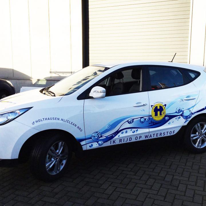 De Hyundai van Holthausen, eerste auto op waterstof in Noord Nederland